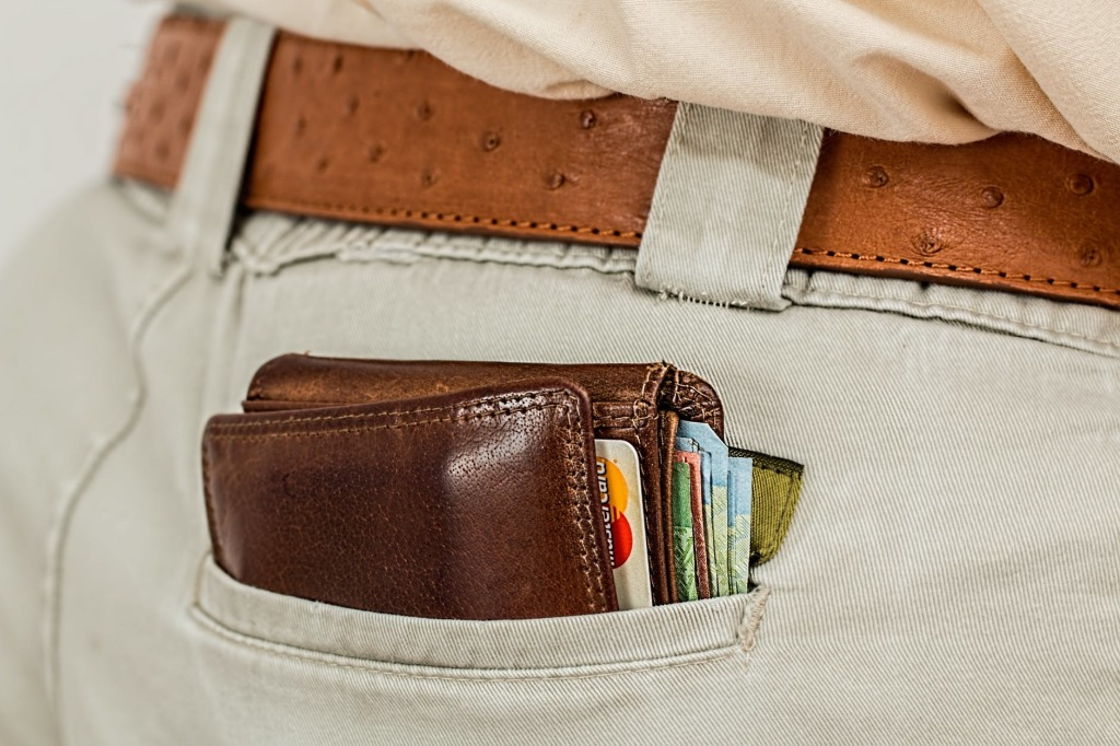 Wallet in pocket, ready for pickpocketing - 26 Biggest Travel Money Mistakes Ever Made