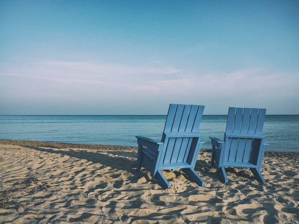 Easy Places for Canadians to Retire To